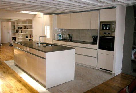 carrelage pour sol de cuisine cuisine sur parquet cuisine dressing placard parquet