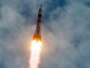 Russian Soyuz rocket launches American, Russian, Japanese ...