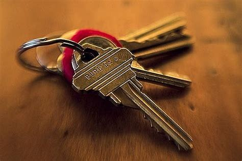Lost Your Keys Again? 8 Tips For Finding Misplaced Objects