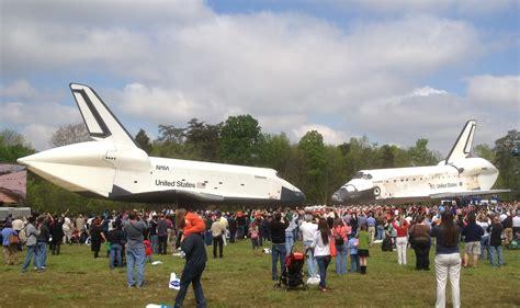 Shuttle Discovery Transferred To Nasm's Udvarhazy Center