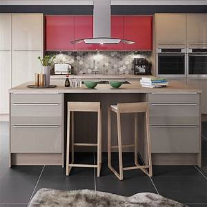 Kitchen trends 2018 stunning and surprising new looks for Kitchen cabinet trends 2018 combined with glitter lips wall art