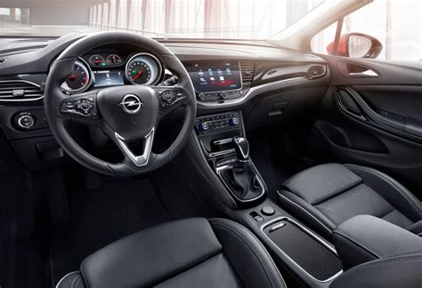 opel astra sports tourer  kw ultimate  edition
