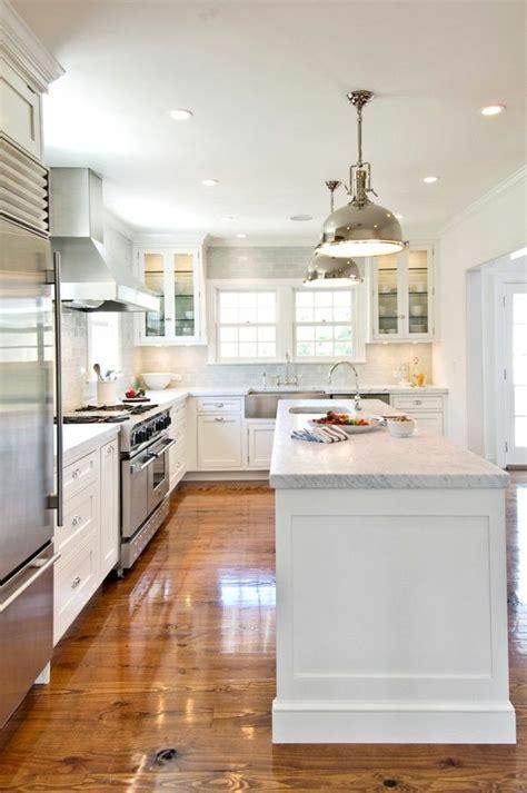 moulure cuisine les 25 meilleures idées de la catégorie cuisines grises