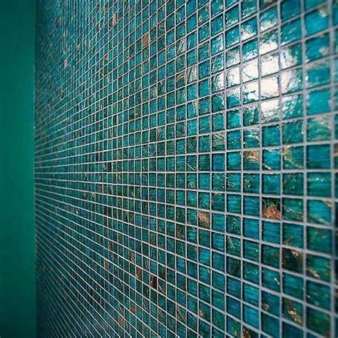 Teal Bathroom Tile Ideas by 25 Best Ideas About Teal Bathrooms On Teal