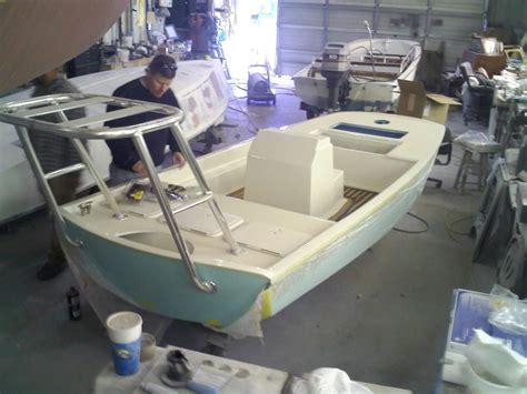 Boston Whaler Build Your Boat by Custom Boston Whaler Flats Boat Build Page 6 The Hull