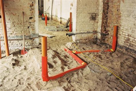 grundleitung unter bodenplatte wohnen statt werken umbau einer remise zum wohnhaus mit b 252 ro in potsdam bauhandwerk