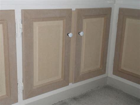 peinture pour placard de cuisine peinture porte bois interieur 28 images r 233