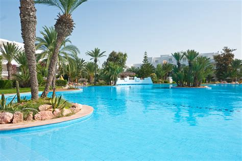 Hôtel Vincci Djerba Resort  Tui. Best Western Premier Dante Hotel. Aberdeen Lodge Hotel. Sweet Berries Holiday Houses. Sovereign Hotel. Hotel Rural Predio Son Serra. The Lofts Boutique Hotel. QF HOTEL DRESDEN. Hotel S E N