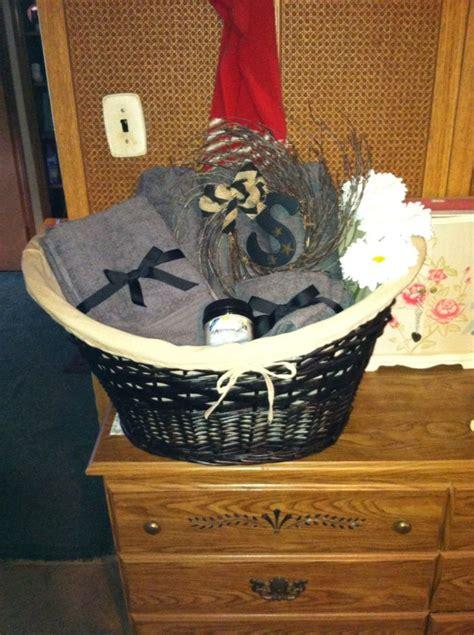bridal shower giftlarge wicker basket  folded bath