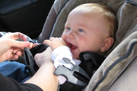One-minute Car Seat Checklist