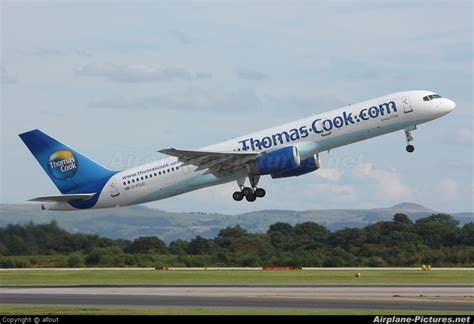 G-FCLD - Thomas Cook Boeing 757-200 at Manchester | Photo ...