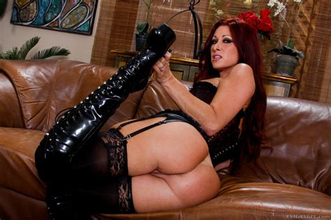 Dominating Milf In Hot Lingerie And High Heels Tiffany