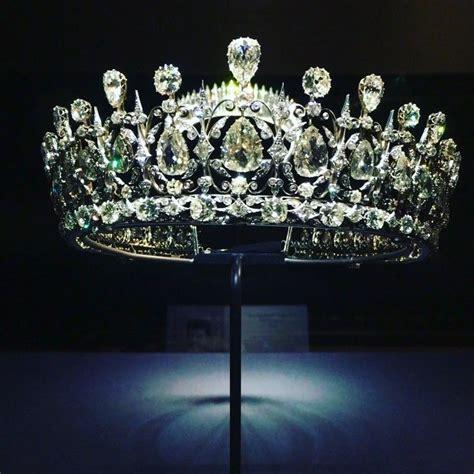 fife tiara  display   today atkensingtonpalace