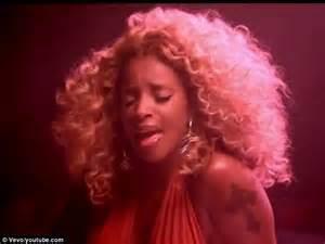 Mary J. Blige kicks up her kinky thigh-high heels in racy ...