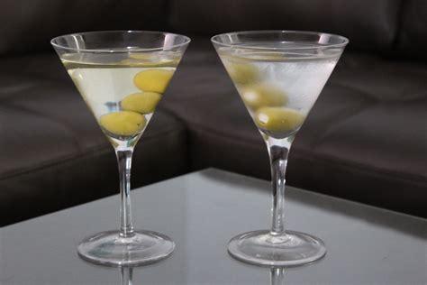 vodka martini a classic martini itsmyhappyhour