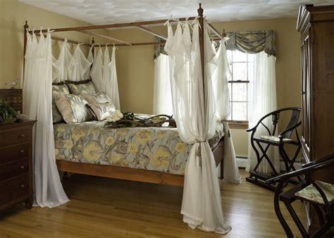 dream romantic bedrooms  canopy beds