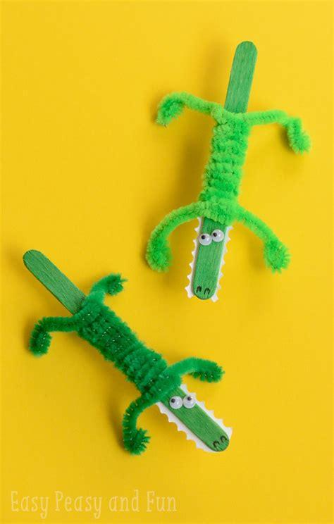 craft stick crocodile craft easy peasy and 712 | Craft Stick Crocodile Craft For Kids to Make