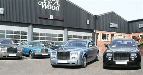 Rolls-royce Dealership Forecourt © Peter Langsdale