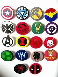Marvel Heroes and Villains/Avengers Fridge Magnets Choose