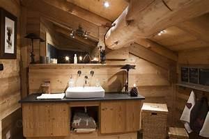 Chalet quotles pinsquot meuble salle de bains chalet cortina for Idee deco cuisine avec meuble scandinave bois