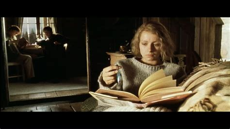 foto de Agatha (Samantha Morton) Arthur and Dashiell (Michael and