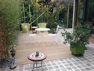 Petit Jardin Moderne : petit jardin de ville paysag avec terrasse bois le poitevin paysage ~ Dode.kayakingforconservation.com Idées de Décoration
