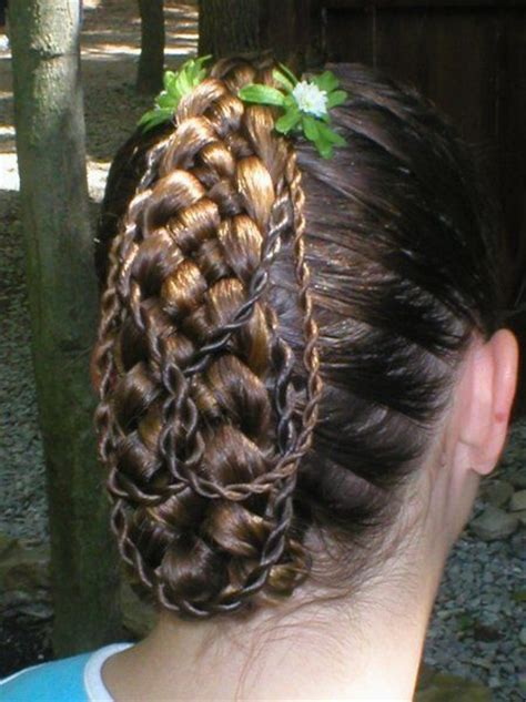 renaissance braid hairstyles  peasants french braids