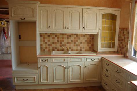 repeindre cuisine en chene massif meuble cuisine en chene beautiful meuble cuisine chene