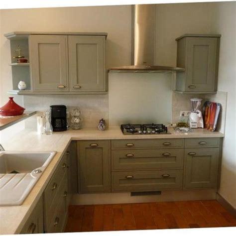 chambre vert kaki cuisine vert de gris