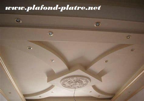 chambre à coucher maroc plafond platre deco