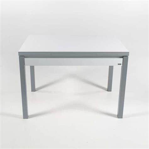 table cuisine avec tiroir table de cuisine en mélaminé avec allonges et