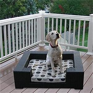 amazoncom big rover outdoor dog furniture by sirio for With outdoor dog bedding material