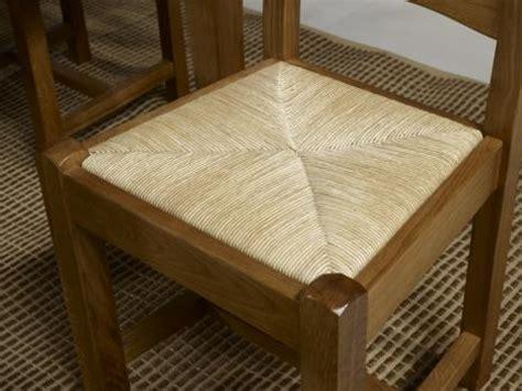 dessus de chaise en paille chaise en chêne massif de style cagnard assise paille
