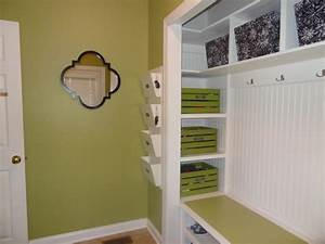 Build A Wooden Closet Organizer - WoodWorking Projects & Plans