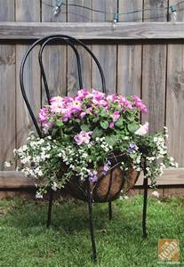 Patio Plant Stand Ideas by Simple Patio Decorating Ideas Throw Pillows And Spray