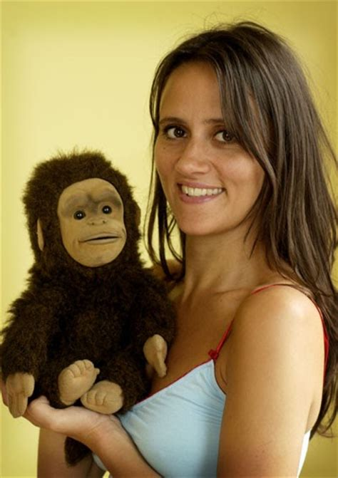 daves travelogue female standup nina conti