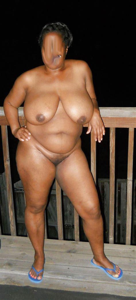 Stickerman Ebony BBW Flasher Nude In Public ShesFreaky