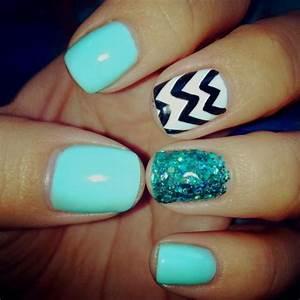 Cute nail design using artisan color acrylic powder part art summer