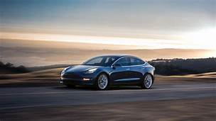 Tesla finally launches base Model 3 for $35,000 with shorter range and new interior…