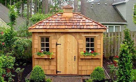 bureau de jardin pas cher le top des abris de jardin 45 idées design archzine fr