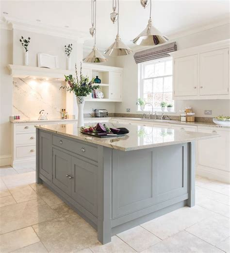 beautiful kitchens with islands 20 gorgeous flooring ideas for the kitchen 4395