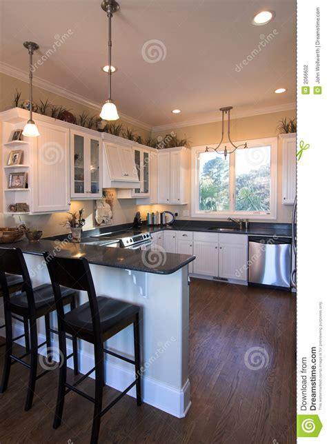 cuisine de bar cuisine avec le bar photo stock image du poêle