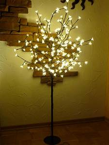 Weihnachtsbeleuchtung Außen Baum : led baum 180 bl ten lichterbaum warmweiss h he 150cm f r innen au en kaufen bei wim shop ~ Orissabook.com Haus und Dekorationen