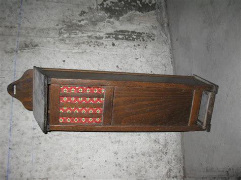 photo donne huche 224 verticale avec tiroir en bois