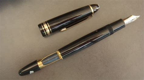 stylo plume montblanc 147 legrand traveller plume quot f quot or 14k prix 630 n 176 vi103