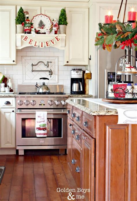 fabulous farmhouse christmas kitchens  turquoise home