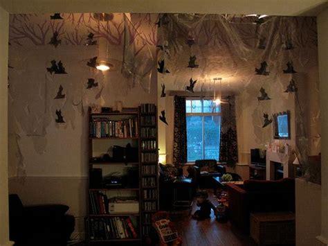 decorate  dorm room  halloween