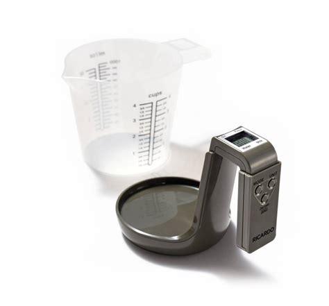 mesurer sans balance cuisine tasse à mesurer et balance 2 en 1 boutique ricardo