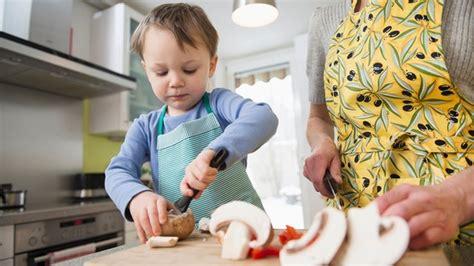 Müssen Kinder Im Haushalt Helfen by Erziehung Sollen Kinder Im Haushalt Helfen Bayern 1
