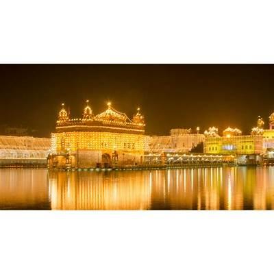 In the Glow of Golden Temple: Guru Nanak Jayanti